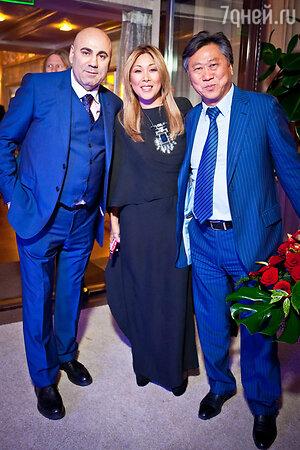 Иосиф Пригожин и Анита Цой с мужем Сергеем на праздновании дня рождения Иосифа Пригожина