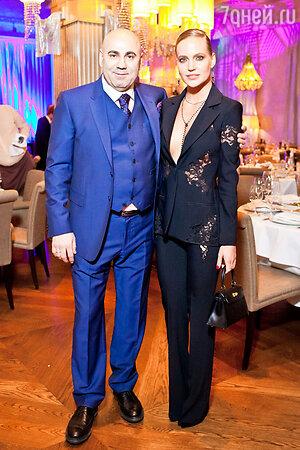 Наталья Чистякова-Ионова (Глюк'oZa) и Иосиф Пригожин на праздновании дня рождения Иосифа Пригожина