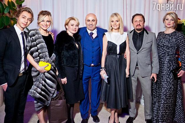 Инна Маликова, Иосиф Пригожин, Валерия, стас Михайлов с женой Инной на праздновании дня рождения Иосифа Пригожина