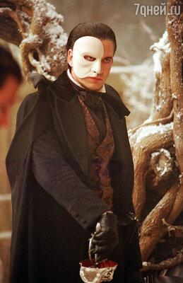 Джерард Батлер в роли Призрака в мюзикле «Призрак оперы»