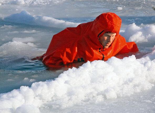 Два года назад Гарри участвовал в экспедиции на Северный полюс, а теперь собирается на Южный