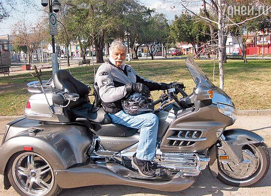 Этот мотоцикл дон Мигель собрал своими руками