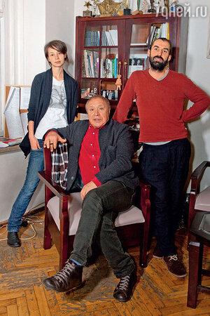Иосиф Райхельгауз с дочерью Марией и ее мужем Алексеем Трегубовым