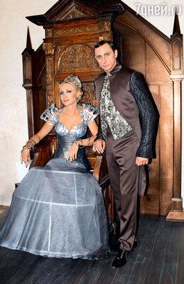 Съемки в Чехии проходили в замке Кршивоклат, которому больше тысячи лет. Кристина Орбакайте и Вадим Галыгин