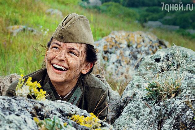 Юлия Пересильд: «Думаете, меня за актерский талант на роль взяли? Нет, за снайперский!»