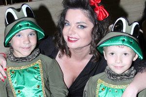 Наташа Королева подружилась с лягушатами