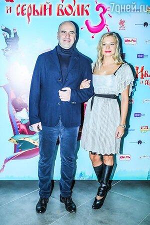 Ростислав Хаит с невестой Ольгой Рыжковой