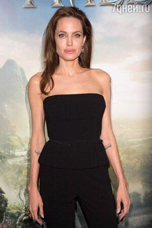 Анджелина Джоли в комбинезоне от Ralph Lauren