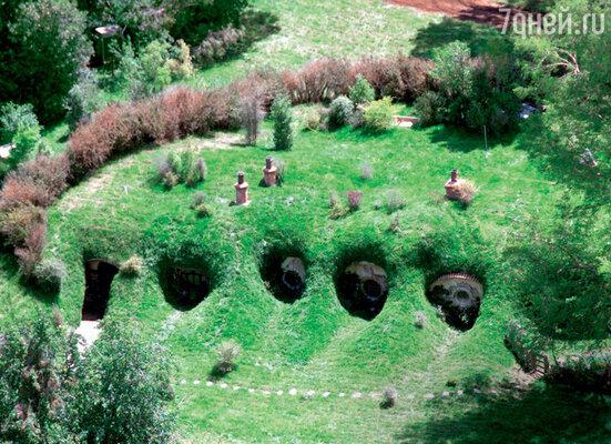 Хоббитон — городок хоббитов — построили специально длясъемок, асейчас он стал местом паломничества туристов