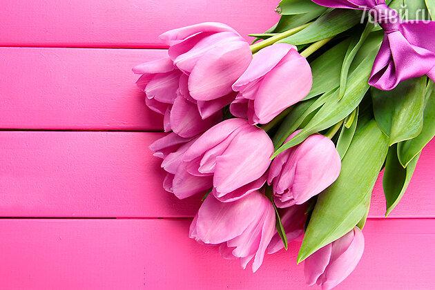 Букет тюльпанов как нельзя лучше поможет выразить вашу радость от встречи. Тюльпаны можно и нужно дарить не только любимым, но и всем знакомым