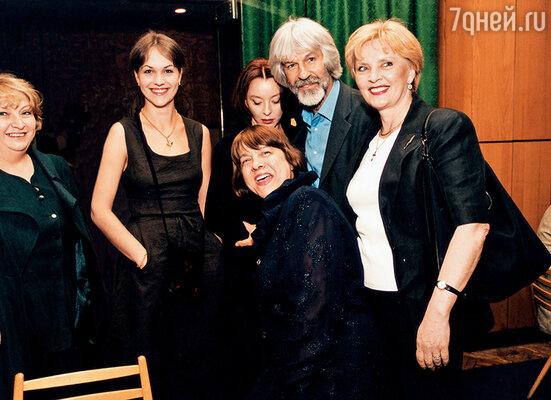 Даша, Анастасия, Марианна  и мы с Борей