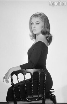За Жанной Моро закрепилась репутация распутницы и пустышки. Она имела множество любовников, но долго эти связи не длились