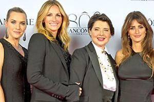 Джулия Робертс с Кейт Уинслет повеселились на бьюти-вечеринке в Париже