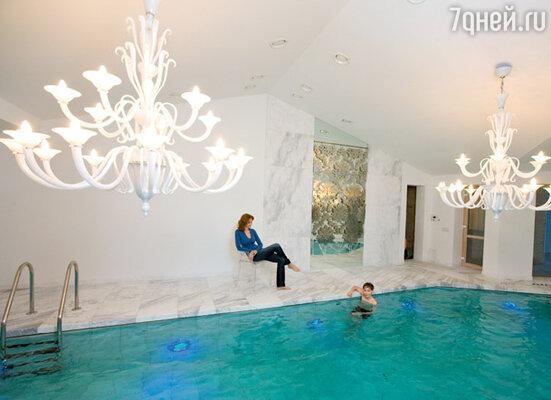 «Поплавать в бассейне, не выходя из дома,— для меня единственно возможный  вариант для занятий спортом»
