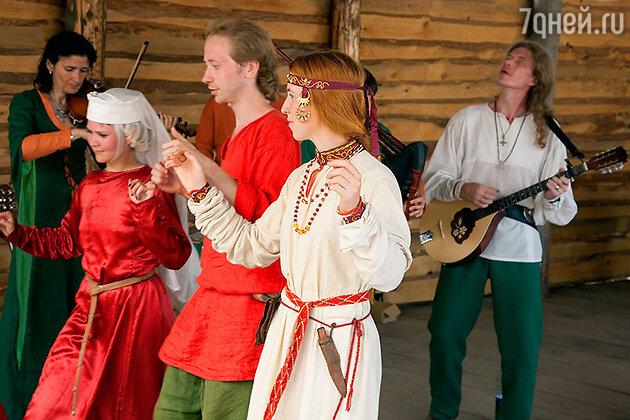Кельтский танец на фестивале в Суздале