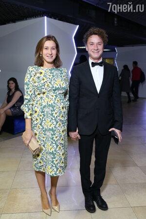 Александр Яценко с женой