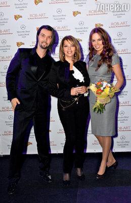 Денис Клявер с супругой Ириной: «Восторгаемся работами Кати...»
