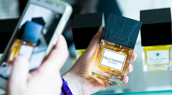 Сеть Л'Этуаль предлагает читать парфюмы, как книги