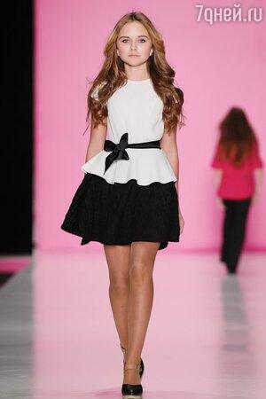 Стефания Маликова на показе капсульной коллекции Chapurin for Barbie Игоря Чапурина