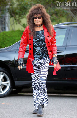 В 2011-м наХэллоуин Форд нарядился стареющей рок-звездой