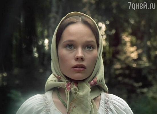 Елена Корикова в фильме  «Барышня-крестьянка», 1995 год