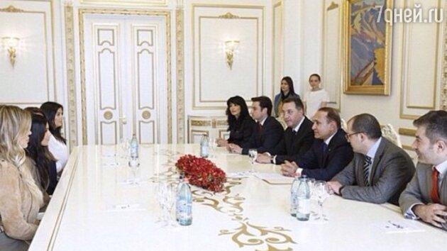Ким Кардашьян на приеме у премьер-министра