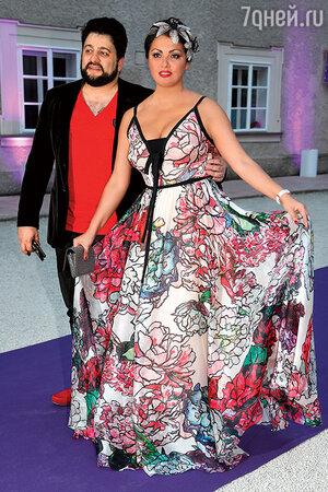 Анна Нетребко с Юсифом в Зальцбурге. 2015 г.
