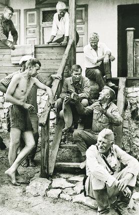 Г. Бурков, Ю. Никулин и В. Шукшин на съемках фильма «Они сражались за родину»