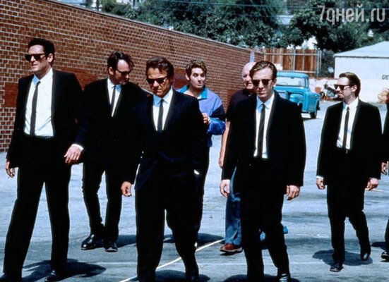 Бушеми (второй справа) знает в лицо чуть ли не каждый второй американец, и когда Стив в очередной раз спускается в метро или садится в автобус, устает кивать. Кадр из фильма «Бешеные псы»