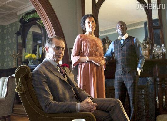 В 2010 году режиссер Мартин Скорсезе без проб утвердил Бушеми на главную роль в свою знаменитую «Подпольную Империю». Кадр из фильма
