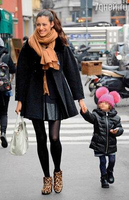 В 2012 году Марика, подобно Мишель, решила осчастливить своего бойфренда дочерью Рафаэллой