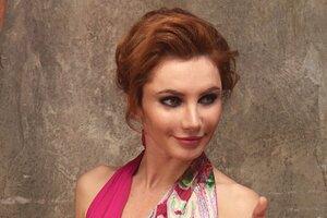 Звезда сериала «Свидетели» Лора Резникова показала, как танцует у пилона