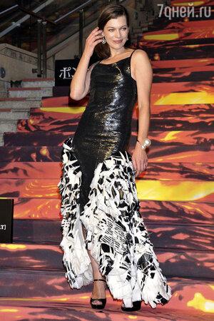 Милла Йовович. Платье  Chanel