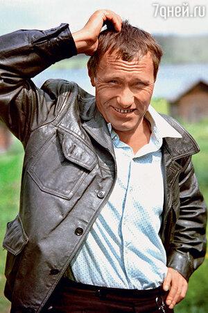 Василий Шукшин насъемках фильма «Калина красная». 1973 г.