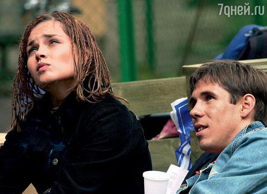 Задолго до меня Алексей встречался с актрисой Любой Зайцевой. Когда Люба, устав от панинских выходок, пожелала прекратить отношения, он начал ее преследовать. (С Любой Зайцевой на съемках картины «Четыре таксиста и собака»)