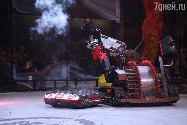 Бой роботов «Бронебот»