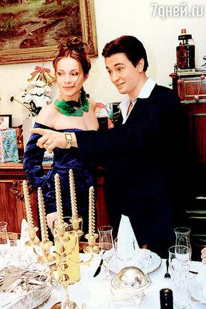 Екатерина Гусева с Сергеем Безруковым. На съемках сериала «Бригада». 2001 г.