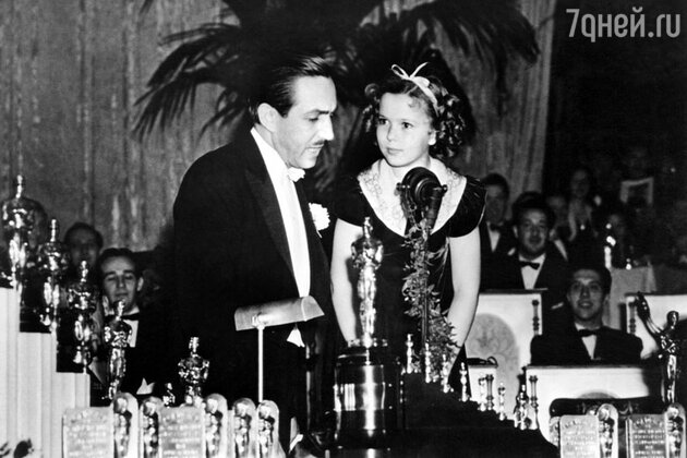 Ширли Темпл и Уолт Дисней на вручении премии Оскар