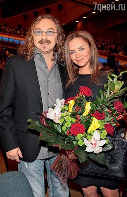 Игорь Николаев замаскировал церемонию предложения Юлии Проскуряковой руки и сердца подобычный шопинг