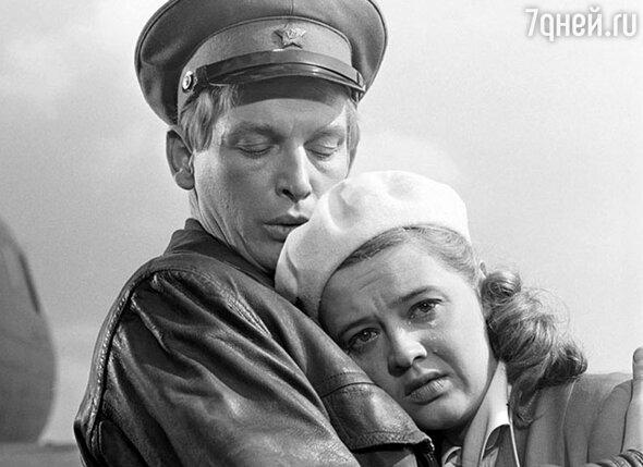 С Алиной Покровской в фильме «Офицеры», 1971 год