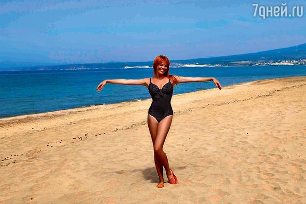Анастасия Стоцкая на отдыхе на Сардинии