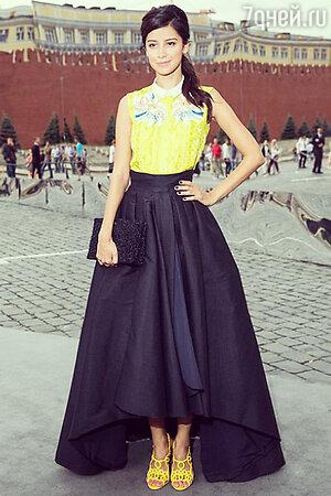 Равшана Куркова в юбке от Christian Dior на показе Dior на Красной площади