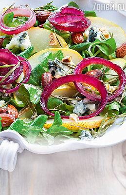 Салат из груш с маринованным луком