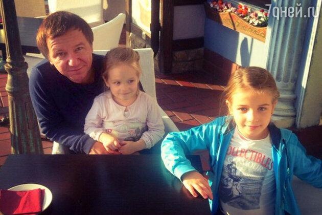 Михаил Гребенщиков с детьми
