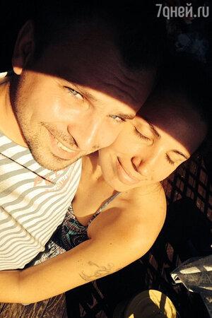 Никита Малинин с женой