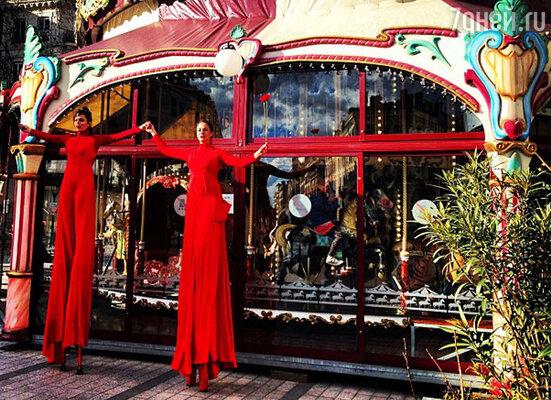 Во время поездки Кочеткова сделала несколько десятков фотографий и поделилась ими с читателями своего микроблога в Instagram. Судя по снимкам и по комментариям к ним, Анастасии очень понравился Лион
