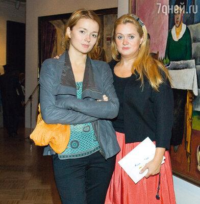 Сестры Надежда и Анна Михалковы на выставке своего прадедушки Петра Кончаловского