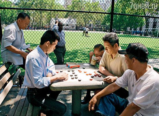 Шахматы по-китайски. В одном из парков Чайна-тауна