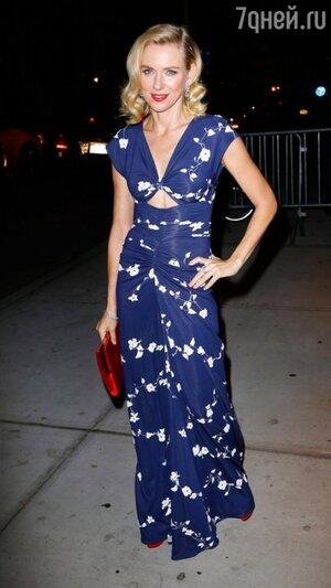 Наоми Уоттс в платье от Michael Kors и туфлях  от Charlotte Olympia представила в Нью-Йорке свой новый фильм «Диана», 2013
