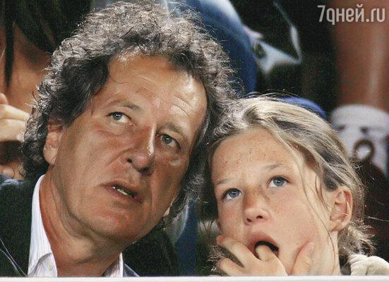 Джеффри пытался стать примерным отцом. Однажды даже потащил Анжелику на финал теннисного турнира «Australian Open», впервые воспользовавшись своей известной физиономией, чтобы заказать билеты на лучшие места